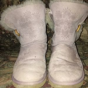 UGG Bailey Button Short Snowflake Boot